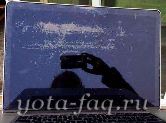 Брак в Apple Macbook Pro - Стив Джобс перевернулся